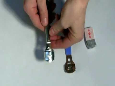Как вставить лезвия в станок для педикюра