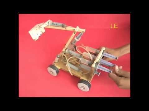 Видео как сделать экскаватор из шприцов