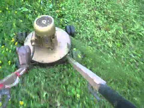 Видео: Самодельная газонокосилка. самодельные газонокосилки видео - Черный альпинист