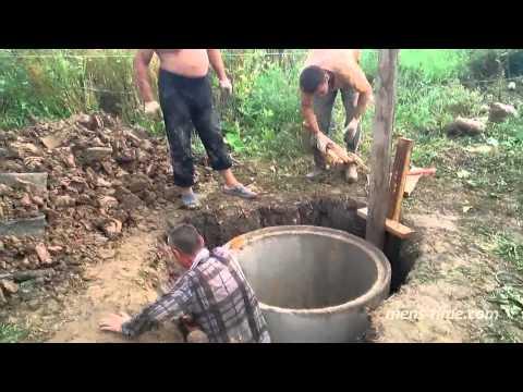 Видео как своими руками вырыть скважину