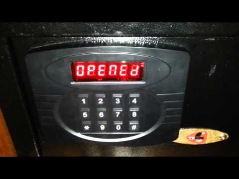 Как взломать сейф в отеле.