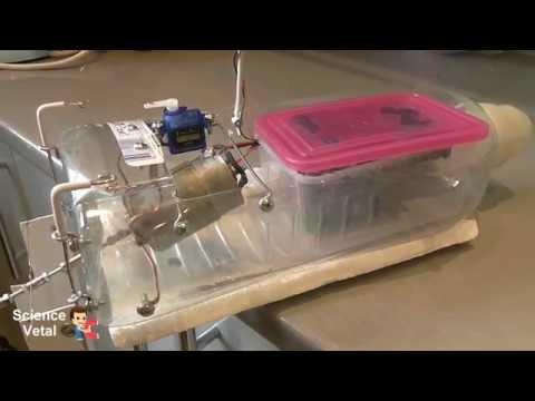 Как сделать моторную игрушечную лодку