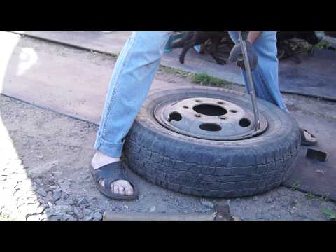 Как разбортировать колесо своими руками видео