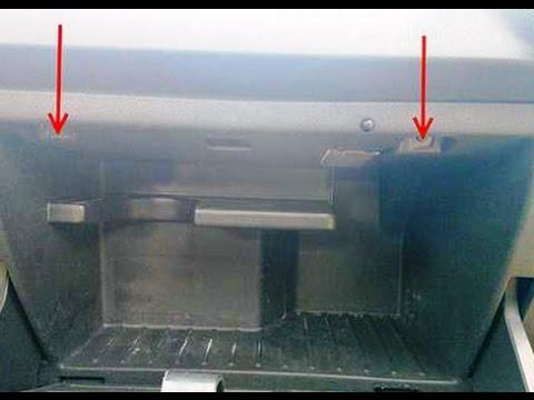Где находится салонный фильтр в опель корсе