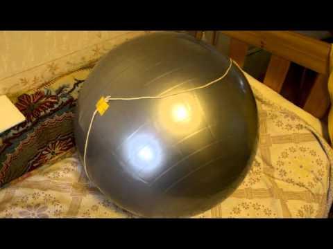 ГНТИ - Накачка гимнастического мяча до нужного диаметра с помощью автомобильного насоса - Видеорепортажи из мира науки и техники